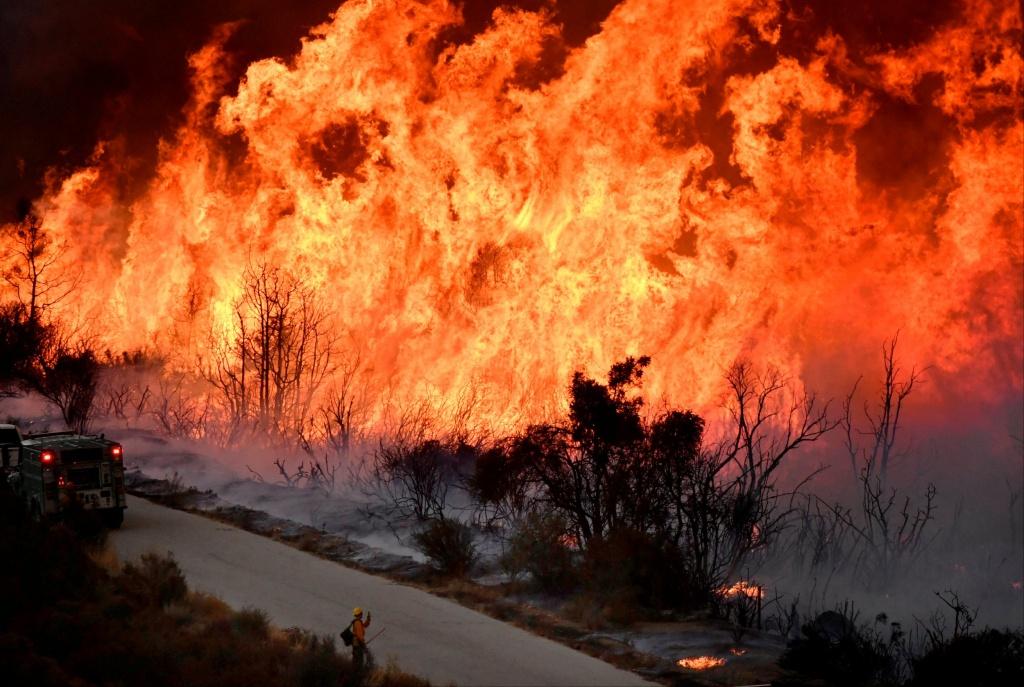 California Fire Map Update: Photos Of Destruction Across Los Angeles - California Fire Heat Map