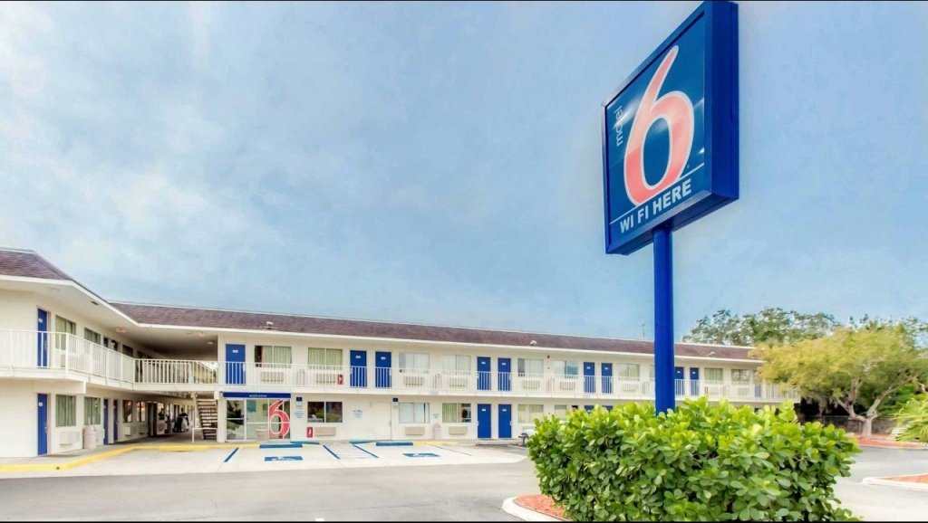 Motel 6 Venice Fl Hotel In Venice Fl ($139+) | Motel6 - Motel 6 Florida Map