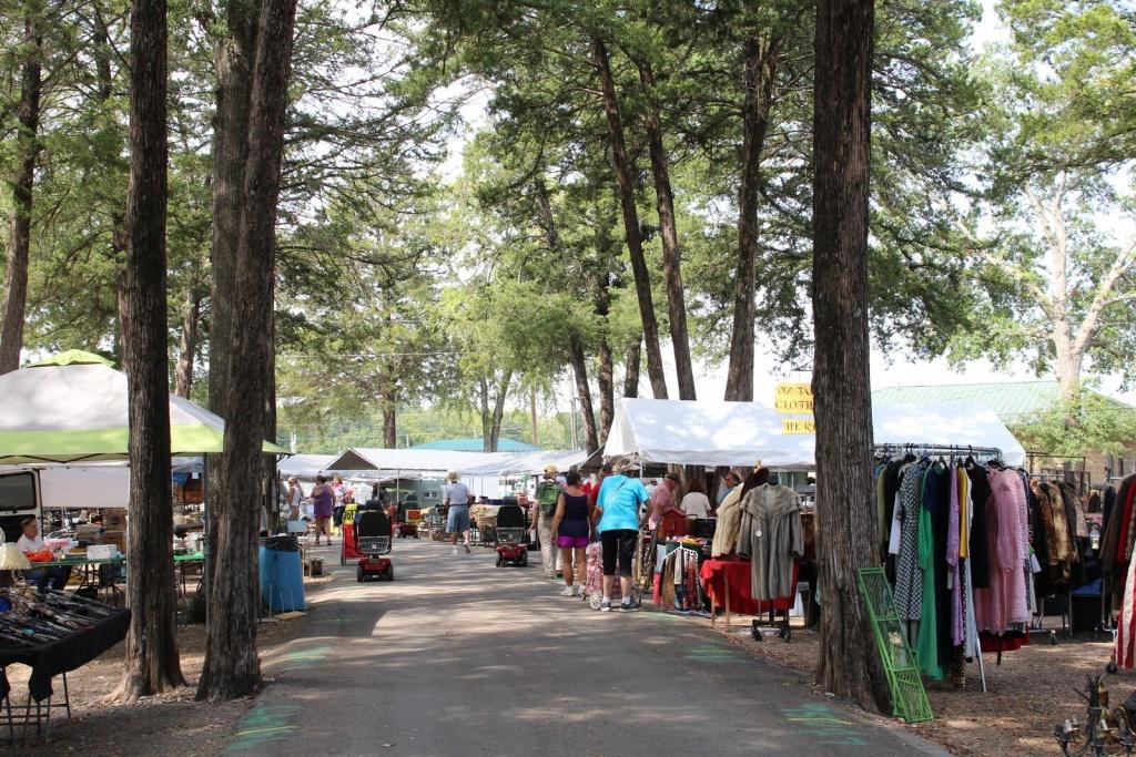 Shopping Guide: First Monday Trade Days   Flea Style - Canton Texas Flea Market Map